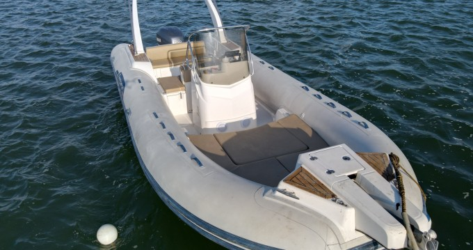 Bootsverleih Capelli Tempest 770 Grand Piquey Samboat