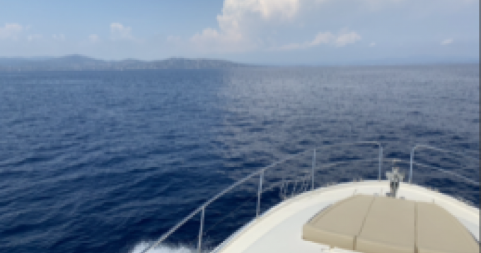 Jeanneau Prestige 46 Fly zwischen Privatpersonen und professionellem Anbieter Bonifacio
