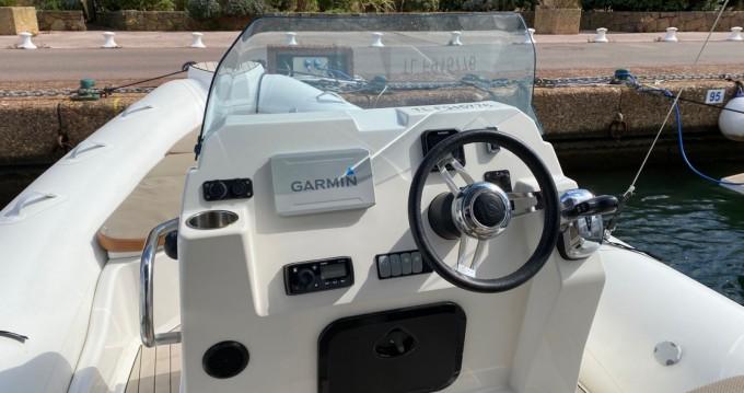 Schlauchboot mieten in La Favière - Ranieri Cayman 23 Sport