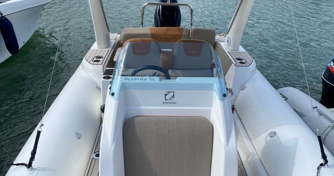 Schlauchboot mit oder ohne Skipper Ranieri mieten in La Favière