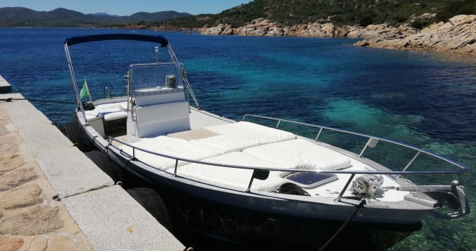 Motorboot mit oder ohne Skipper Cantieri-Parente mieten in Golfo Aranci