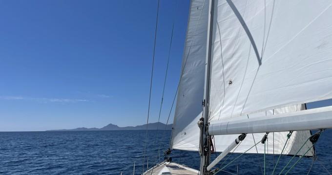 Bootsverleih Cagliari Port günstig Bavaria 46 Cruiser