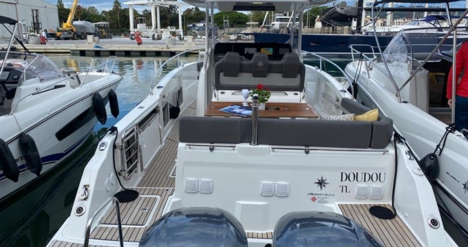 Bootsverleih Jeanneau Cap Camarat 9.0 CC Cogolin Samboat