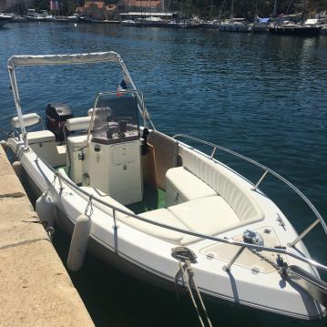 Motorboot mieten in Agay zum besten Preis