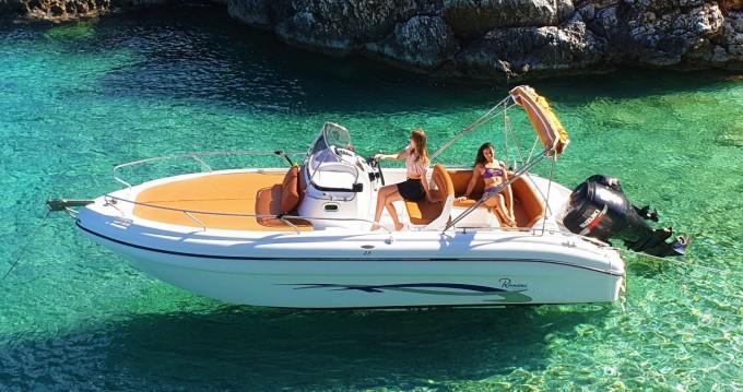 Motorboot mit oder ohne Skipper Ranieri mieten in Tsilivi