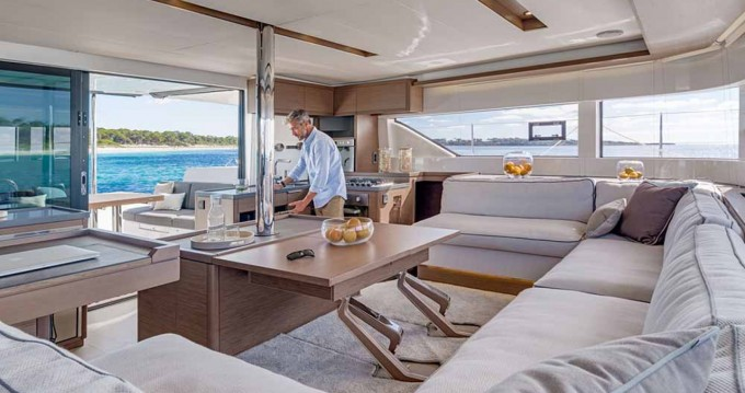 Bootsverleih Lagoon Lagoon 50 Torrevieja Samboat