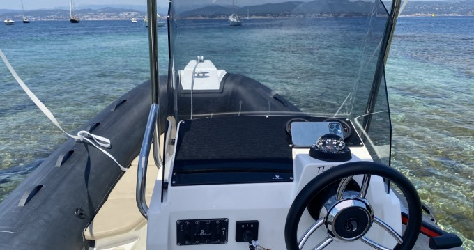 Schlauchboot mieten in Six-Fours-les-Plages zum besten Preis