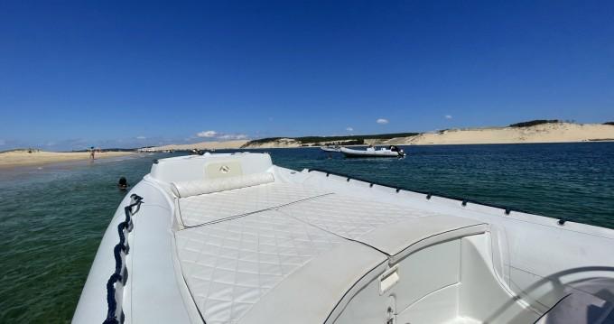Schlauchboot mieten in Grand Piquey zum besten Preis
