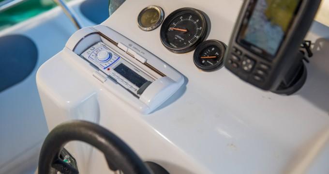 Vermietung Schlauchboot Salona mit Führerschein