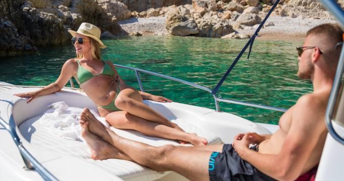 Vermietung Schlauchboot Maestral mit Führerschein