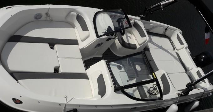Yacht-Charter in Mandelieu-la-Napoule - Bayliner Element E7 auf SamBoat