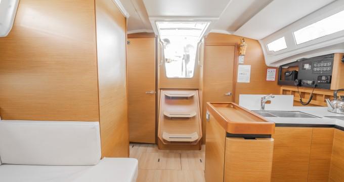 Segelboot mit oder ohne Skipper Jeanneau mieten in Álimos